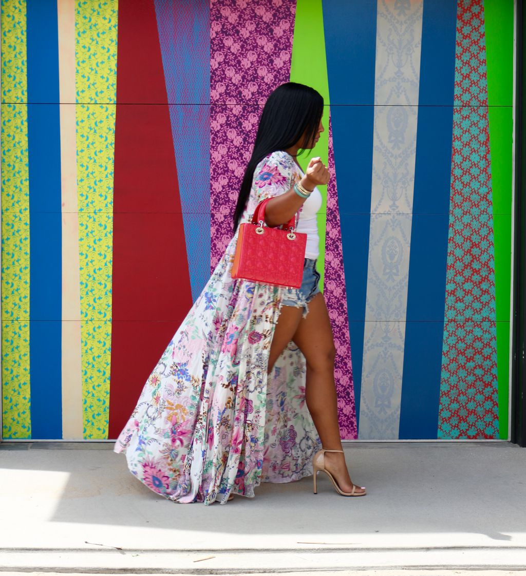 black fashion blogger vacation style
