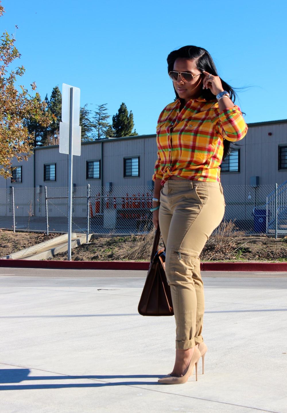 Khaki Pants Women - Major Must Haves