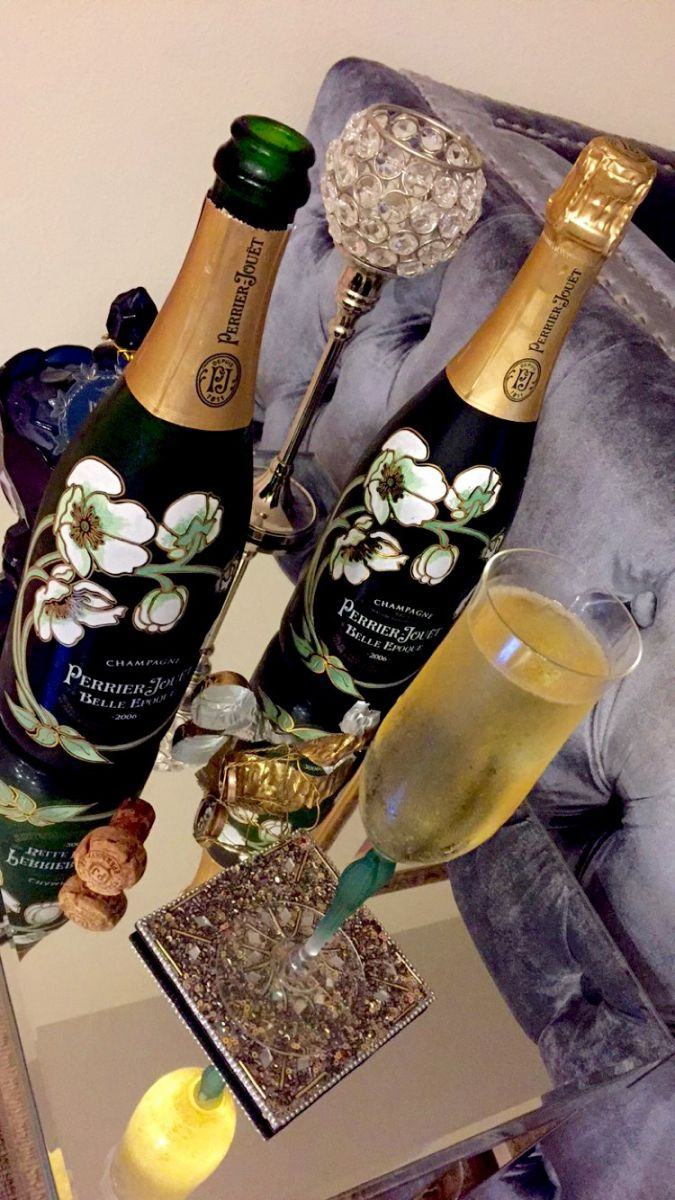 fashion blogger Perrier Jouet Belle Chammpagne