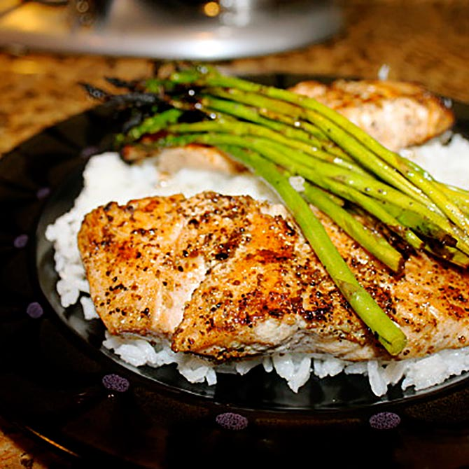 grilled salmon and asparagus dish