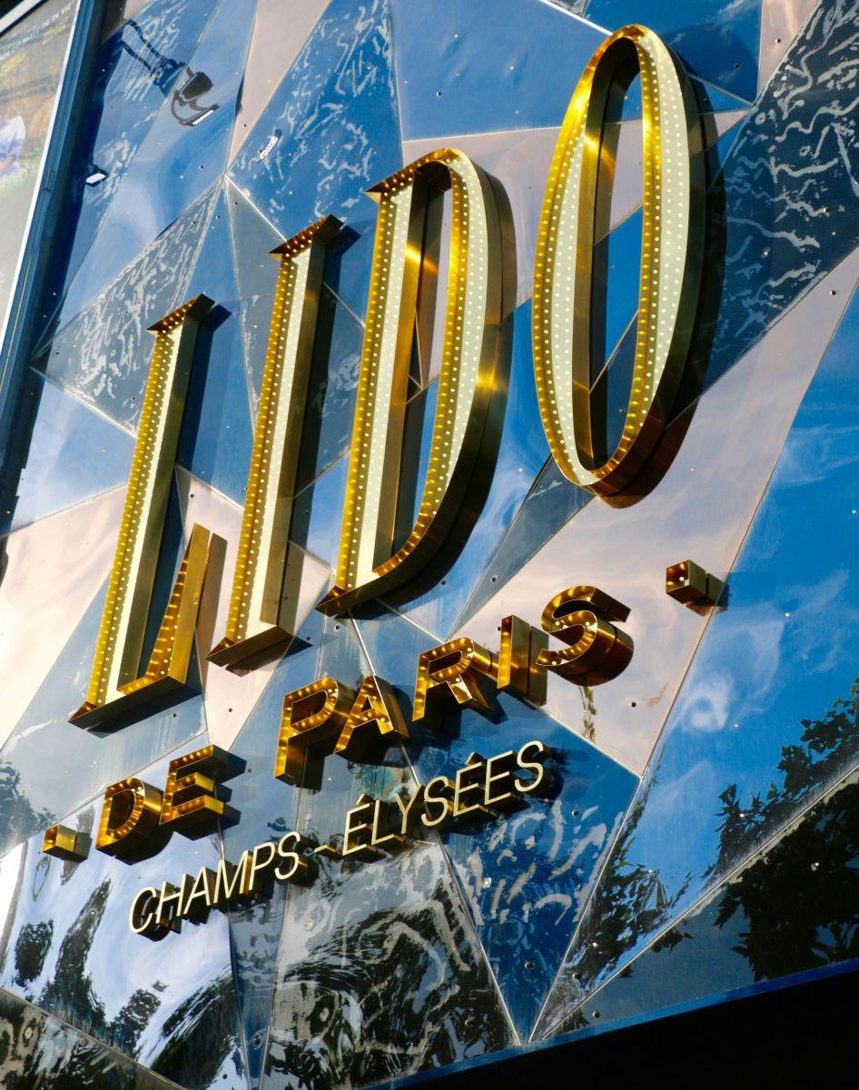 Lido de Paris Champs - Élysées